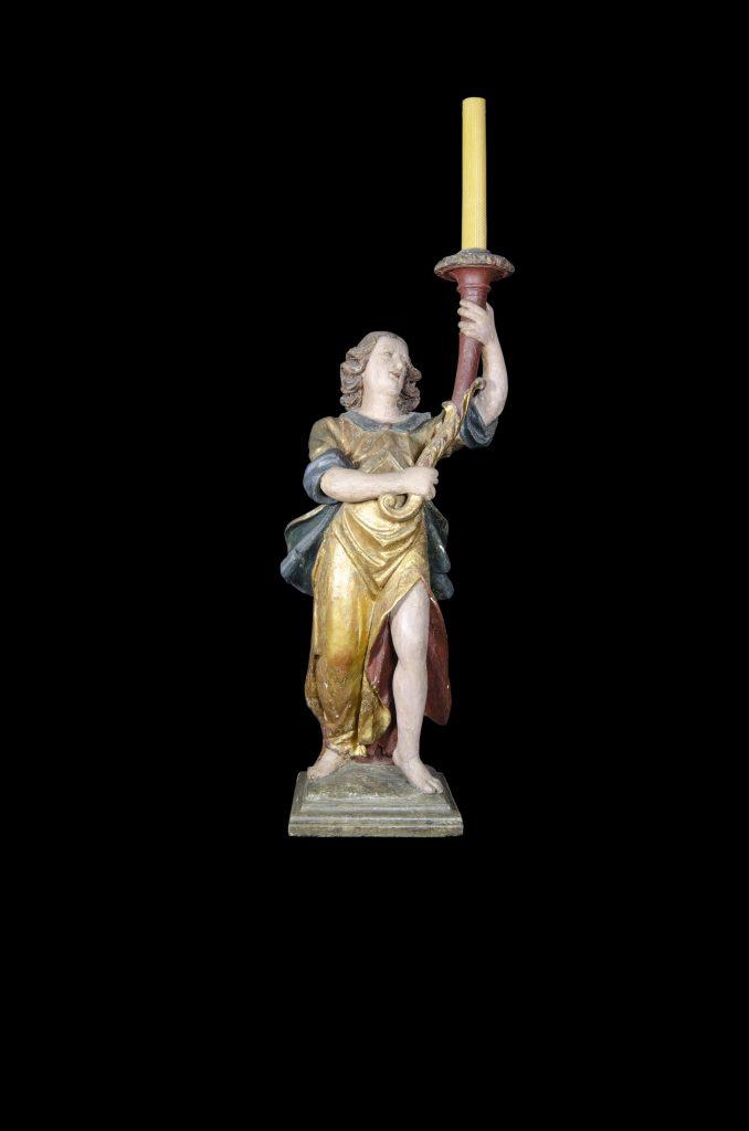 Objeto museológico (anjo candelário)