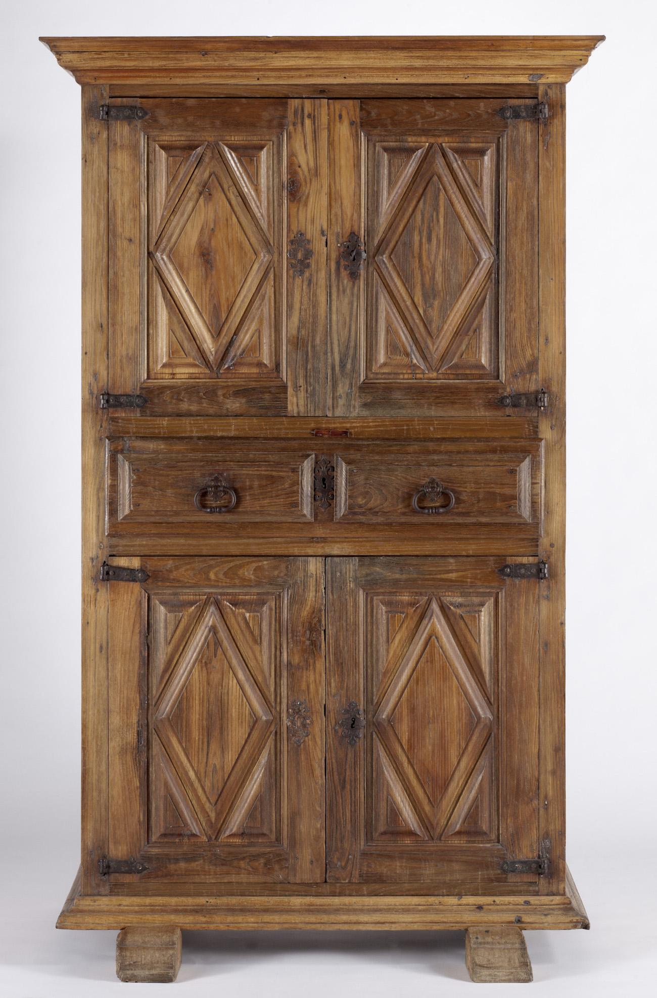Objeto museológico (armário)