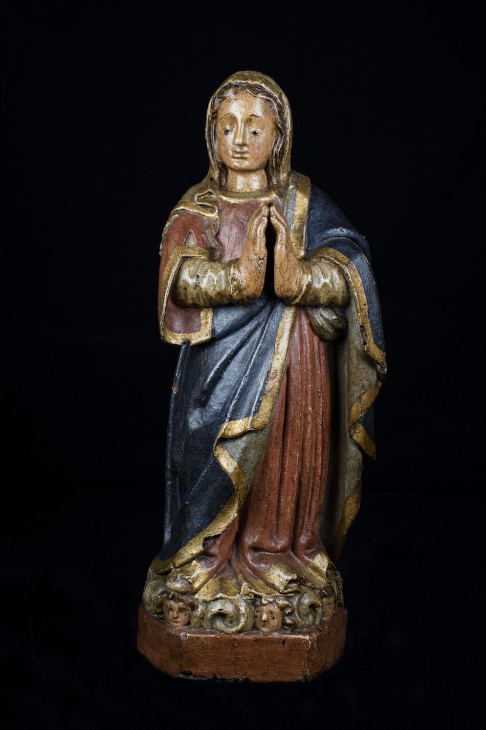 Objeto museológico (Virgem em oração)